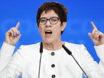 Die neue CDU-Generalsekretärin Annegret Kramp-Karrenbauer spricht auf dem Bundesparteitag am 26. Februar 2018 in Berlin.
