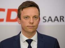 Der CDU-Politik Tobias Hans wird am 1. März 2018 vom Saarländischen Landtag zum neuen Ministerpräsidenten gewählt.