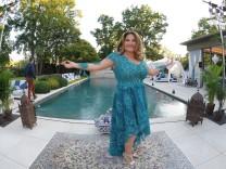 Party JT Touristik zur IFA 2016 Jasmin Taylor GF JT Touristik praesentiert ihr Zuhause mit Poolland