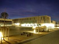Am Camerloher Gymnasium in Freising werdenoffene Klassenzimmer eingerichtet