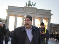 Grossdemonstration Afrin Mehrere tausend Menschen demonstrieren in Berlin gegen die Angriffe des tür