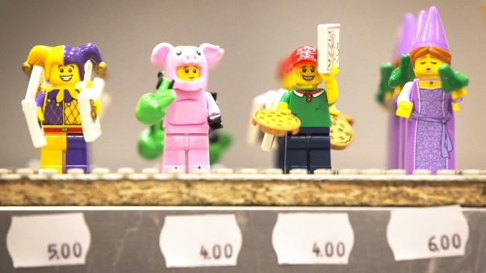 Lego Enthusiasts Gather For Brick 2014