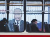 Putin Wahlplakat Bus Russland