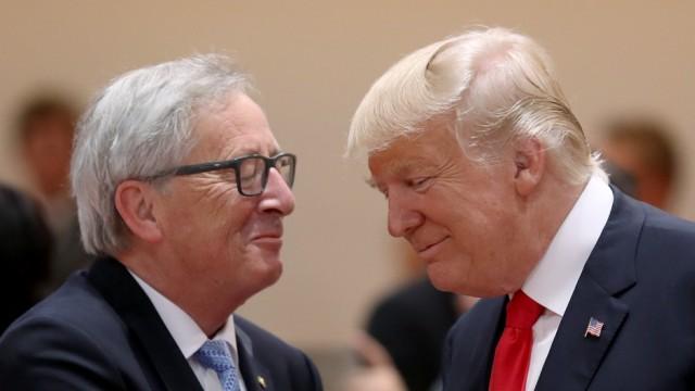 Juncker und Trump streiten über Strafzölle.
