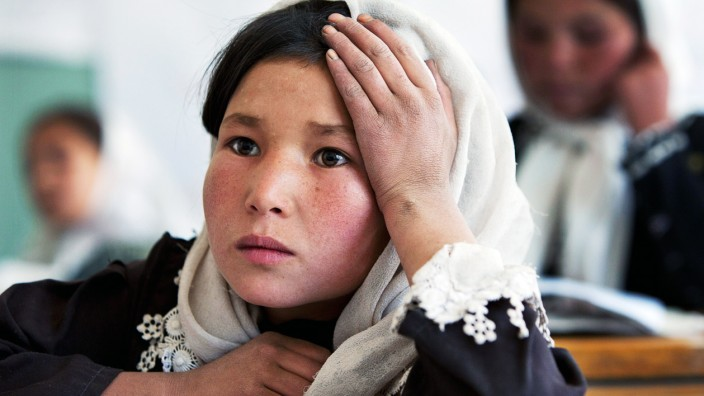 Afghan Girls Receive Education in Bamiyan