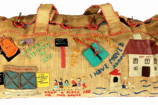 Irma Lange: Handgefertigte Tasche für ihren Sohn Hanns, Isle of Man, 1940–42, Deutsches Exilarchiv 1933–1945 der Deutschen Nationalbibliothek