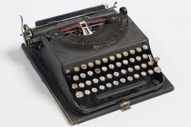 Schreibmaschine aus dem Büro der American Guild for German Cultural Freedom, New York, um 1938, Deutsches Exilarchiv 1933–1945 der Deutschen Nationalbibliothek