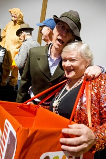 Steinsee-Theater probt Revue der letzten 50 Jahre
