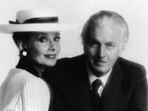 (FILE) French Fashion Designer Hubert de Givenchy Dies At 91 Portrait Of Audrey Hepburn & Hubert De Givenchy