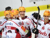 EHC Red Bull München - Pinguins Bremerhaven 3:4.