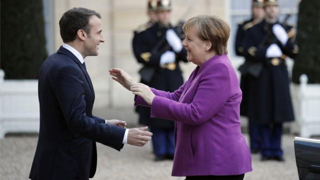 Politik Frankreich Merkel bei Macron