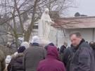 Hunderte Menschen versammeln sich in oberbayerischem Dorf, um Mutter Gottes zu sehen (Vorschaubild)