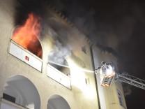 B1703 2018; Feuer in der Destouchesstraße, Bild der Feuerwehr