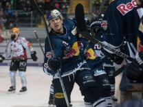 Ice hockey Eishockey DEL play off RB Muenchen vs Bremerhaven MUNICH GERMANY 18 MAR 18 ICE HOC; Eishockey