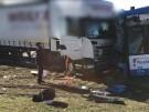 Frontalcrash von Lkw und Straßenbahn: Mehrere Verletzte (Vorschaubild)