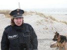 Polizistin auf Hiddensee: Arbeiten, wo andere Urlaub machen (Vorschaubild)