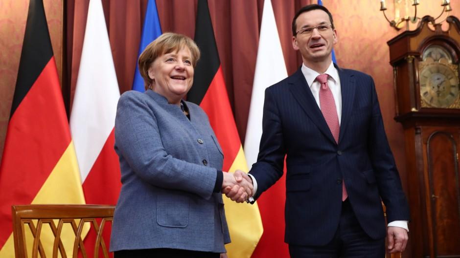 Polen: Merkel wirbt für gemeinsame Sicherheitspolitik