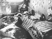 Ausgebrannte Wohnung nach dem Anschlag auf ein jüdisches Altenheim in München, 1970