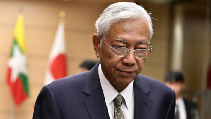 Myanmars Präsident Htin Kyaw nach einer Pressekonferenz mit dem japanischen Premierminister Shinzo Abe.