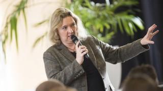 Pullach, Pater-Rupert-Mayer-Gymnasium, Kerstin Schreyer beantwortet Fragen der Schüler,