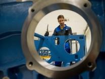 Maschinenbaukonzern kommt nach Eching bei Freising. Er verspricht 1800 Arbeitsplätze