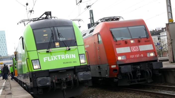 Premierenfahrt des Fernzugs Flixtrain