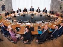 Erste Sitzung des neuen Kabinetts