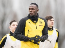 Usain Bolt Trains At Borussia Dortmund