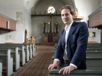 Bruck: Neuer Pfarrer VALENTIN WENDEBOURG