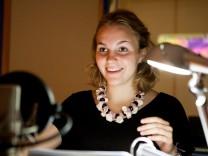 Maresa Sedlmeier, Synchronsprecherin im Synchronstudio.