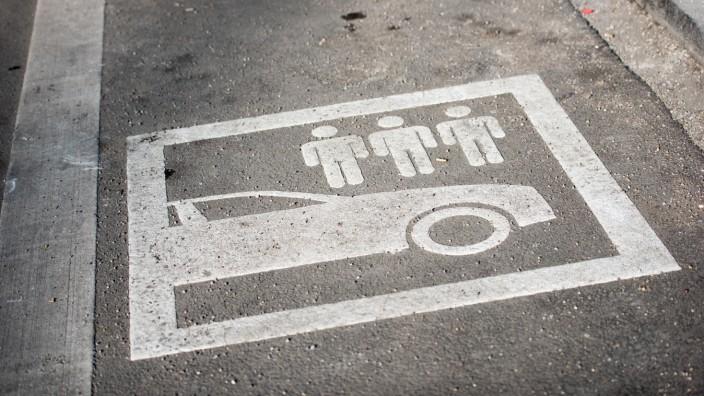 Parkplatz für Carsharing-Fahrzeuge in München, 2015