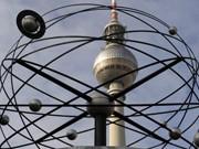berlin alexanderplatz ; dpa
