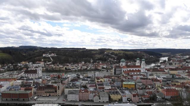 Wolken und Sonne über Passau