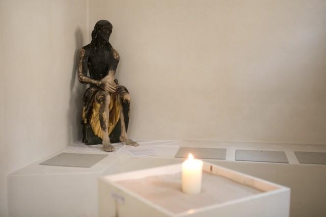 Aufbau des Grab Christi in St. Sylvester an der Biedersteinerstraße 1 in Schwabing