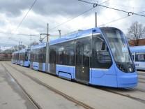 Doppel-Tram vom Typ Avenio