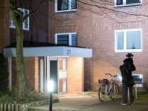 Mutter und Sohn tot in Wohnung in Hannover aufgefunden