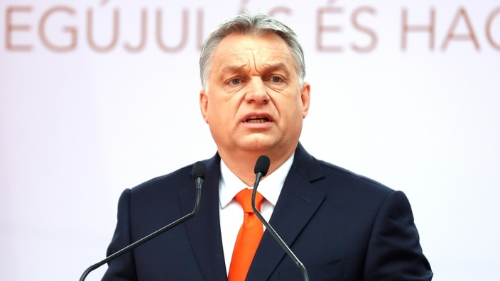 Orban Attends New University Opening