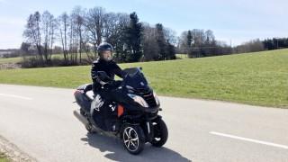 fahrbericht peugeot metropolis: rollern auf drei rädern - auto
