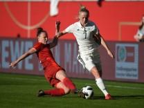 Fussball Frauen Saison 2017 18 WM Qualifikationsspiel in Halle Deutschland Tschechien Jana Se
