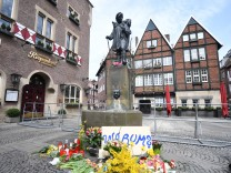 Man drives car into a crowd and kills himself in Muenster, Germany - 08 Apr 2018