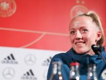 Pressekonferenz deutsche Frauen-Nationalmannschaft