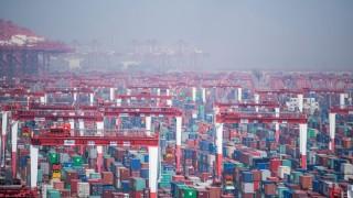 Der Tiefwasserhafen im chinesischen Shanghai zählt zu den größten Umschlagplätzen der Welt.