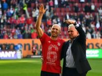07 04 2018 xjhx Fussball 1 Bundesliga FC Augsburg FC Bayern Muenchen emspor v l Arjen Robben