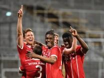 Bilder des Tages SPORT v li Nicolas Feldhahn Bayern München FCB 5 Angelo Mayer Bayern Münch