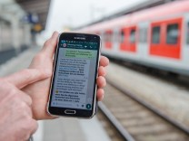 Bahnhöfe in Bayern: Schmutz melden per WhatsApp