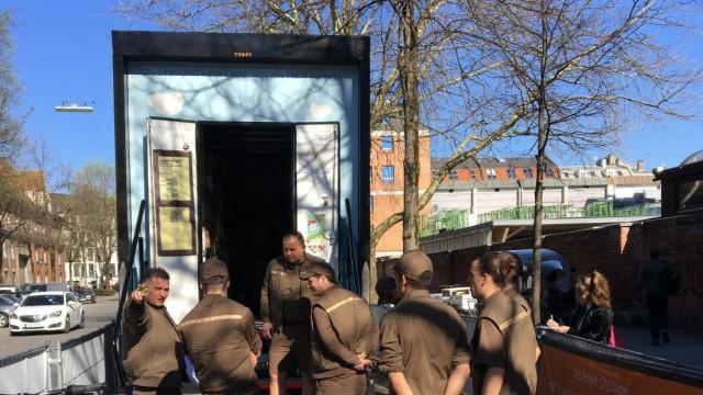 UPS Paketzusteller im Versuchsprojekt City2Share