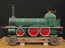 Modell einer versunkenen Lok