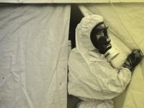 Der Einsatz von Chemiewaffen nimmt zu - ein Interview mit dem Chemiewaffen-Experten Oliver Meier.