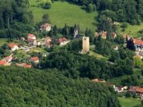 Luftbilder TAUTENBURG 16 06 2013 Ortsübersicht mit Burgruine Tautenburg