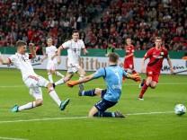 xuhjbx Leverkusen BayArena 17 04 18 DFB Pokal Bayer 04 Leverkusen FC Bayern München Bild tor